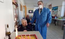 Festa a Penna San Giovanni: Maria Montecchiarini spegne 100 candeline