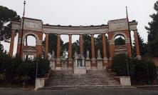 """Macerata, al via sistemazione dei cespugli del Monumento ai Caduti: """"intervento necessario"""""""