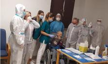 """Treia, il vaccino """"Moderna"""" arriva alla Casa di Riposo: è Ida di 106 anni la prima a riceverlo"""