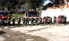 Vigili del Fuoco Macerata, il capo reparto Mario Flamini va in pensione: salutato con il suono delle sirene (Video e Fotogallery)