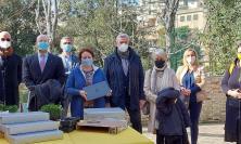 """Rotary Recanati, donati sei computer per la didattica a distanza all'I.C. """"Badaloni"""""""