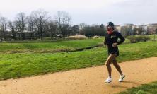 Simone Luciani corre per donare '10 sorrisi': la sfida solidale del maratoneta di Potenza Picena