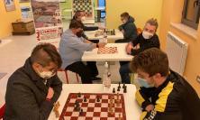 """Netflix riaccende la passione per gli scacchi: al via i corsi del Circolo """"Barbara Carboni"""""""