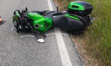 San Severino, rovinosa caduta in moto: 35enne in gravi condizioni a Torrette