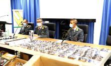 """Sequestrati oltre 19mila articoli di produzione cinese con falso marchio """"CE"""": sei denunce (FOTO e VIDEO)"""