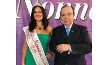 Elisabetta Farabolini vince il titolo di Miss Nonna: l'estetista di Macerata ha sbaragliato la concorrenza