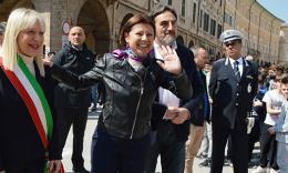 Il commissario De Micheli agli studenti del Divini: cantiere aperto in due mesi