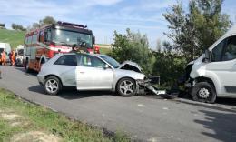 Montelupone, scontro frontale tra auto e furgone: 41enne a Torrette (FOTO E VIDEO)
