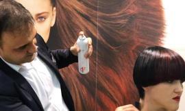 Macerata, il parrucchiere Raffaele Vecchioli al festival di Sanremo per acconciare artisti e ospiti (FOTO)