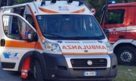 Civitanova, uomo cade dal balcone: portato in codice rosso in ospedale