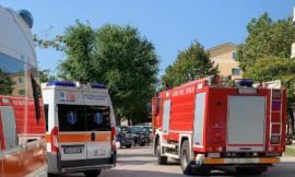 Esanatoglia, scontro tra un apecar e un auto: 70enne trasportato all'Ospedale di Macerata