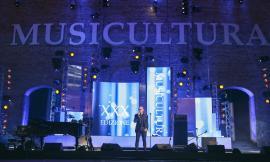 Musicultura 2020, gran finale a Macerata con la conduzione di Enrico Ruggeri: molti gli ospiti