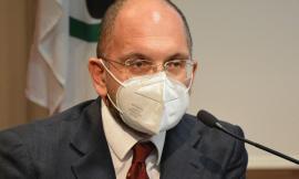 """Piste da sci chiuse, Castelli: """"In arrivo 4.5 miliardi per la stagione compromessa"""""""