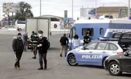 Civitanova, controlli sui camion al casello dell'A14: oltre 5mila euro di multe, sequestrati prodotti caseari (FOTO e VIDEO)