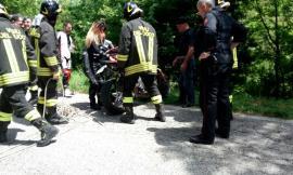Ennesimo incidente in moto: centauro finisce in un burrone di quindici metri