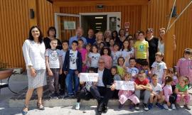Macerata Vicina, consegnato al sindaco di Gualdo il contributo per la scuola danneggiata dal sisma