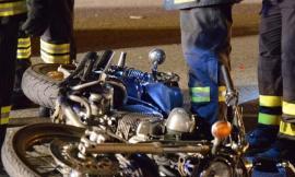 Tragedia a Serravalle: 26enne in moto sbanda e muore