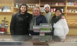 """Caldarola, apre nel centro commerciale """"La bottega di Annalisa"""": la rinascita dopo il sisma"""