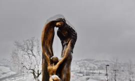 Colmurano, la primavera arriva con la neve: le foto di Mario Lambertucci