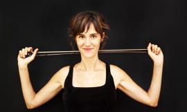 Il talento del jazz Eloisa Manera in concerto al teatro Flora di Penna San Giovanni