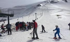 Bolognola ski, da venerdì 23 piste e impianti aperti per sciare: promozioni e sconti su skypass