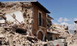 """Terremoto, amianto e macerie: """"La terra trema noi no"""" scrive al difensore civico"""