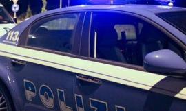 Morrovalle: si schianta in superstrada, poi fugge lasciando una donna ferita nell'auto