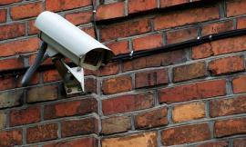 Privacy: videosorveglianza e finestre del vicino. Reato o illecito civile?