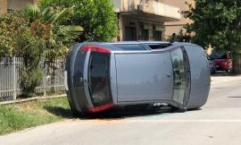 Si ribalta con l'auto: tanta paura a Trodica