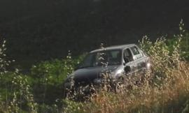 San Giusto, auto si ribalta e finisce nel fossato