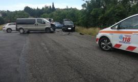 Montelupone, scontro tra furgone e auto: un ferito in ospedale