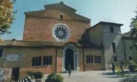 """I fedeli si ritrovano all'Abbadia di Fiastra: """"Senza la comunità cistercense niente sarà come prima"""""""