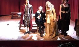 Grande successoper il primo spettacolo delgemellaggio tra il Silvano Toti Globe Theatre di Roma e il Teatro Flora di Penna San Giovanni