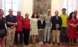 """""""Dal mare alla montagna ferita"""", i volontari di San Severino in azione sul lungomare di Civitanova"""