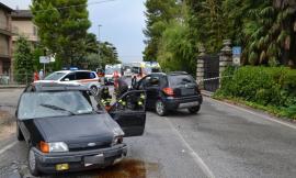 Trodica, schianto tra due auto: in due finiscono a Torrette (FOTO)