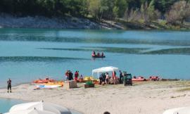 Tragedia a Fiastra: giovane si tuffa per un bagno e viene risucchiato dal lago (FOTO)