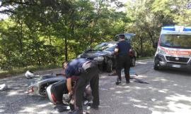 Auto contro scooter a San Ginesio: ferito il centauro (foto)