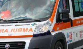 Pioraco, si ribalta l'auto: due persone finiscono all'ospedale