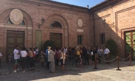 Teatro Vaccaj: ad un'ora dalla prima apertura del botteghino già 60 persone in coda