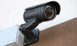 Recanati: lascia la borsa nel carrello della spesa e un ladro ne approfitta, ma le telecamere riprendono tutto