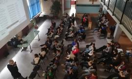 """Castelraimondo: i ragazzi dell'Istituto Strampelli a scuola di """"social"""" con la Polizia Postale"""