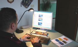 Truffa la sorella attivando una rete telefonica: denunciata 56enne