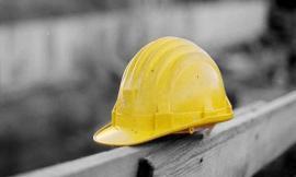 Operai in nero e lavoratori senza permesso di soggiorno: l'inchiesta tra i cantieri del sisma