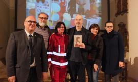 """Cingoli, Auditorium Santo Spirito: grande partecipazione alla presentazione del libro """"Il Sorriso del Cuore"""""""