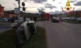 San Ginesio, pauroso incidente tra due auto lungo la SP. 78: non ci sono feriti gravi