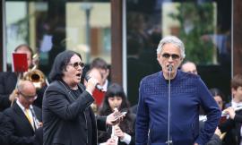 """Gli auguri di Bocelli agli studenti di Sarnano: """"Non esiste sogno irrealizzabile, se si è in tanti a sognarlo"""""""