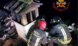 Corridonia, incendio alla canna fumaria: intervengono i vigili del fuoco