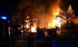 Incendio a Sarnano, terminato stamane lo spegnimento
