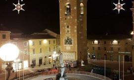 Recanati: Epifania in Piazza Leopardi con la befana che scende dalla torre