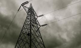 San Severino, persegue il black-out: operai e tecnici ancora a lavoro per il ripristino